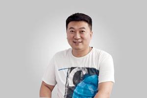 易娱副总裁许杰